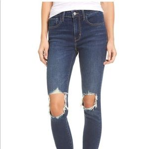 Levi's 721 High wastes ripped jeans
